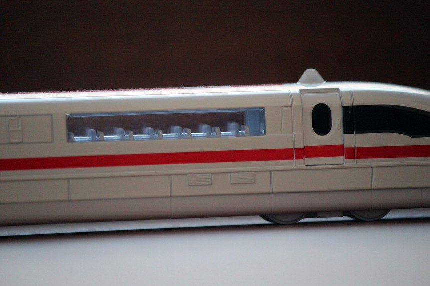Top view of the Deutsche Bahn Transrapid 08 maglev toy train