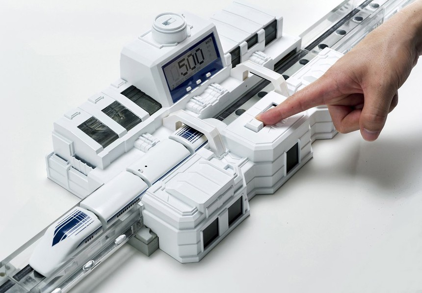 Tomy Linear Liner Maglev Toy Train Station Computer