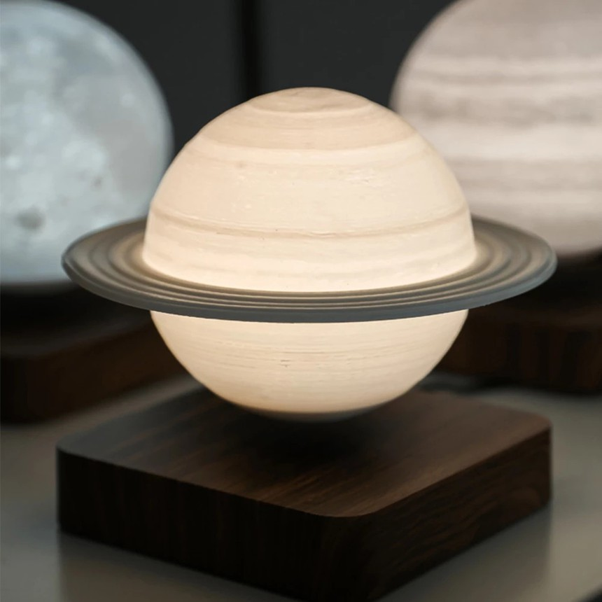 Magnetically Levitating Saturn Night Lamp