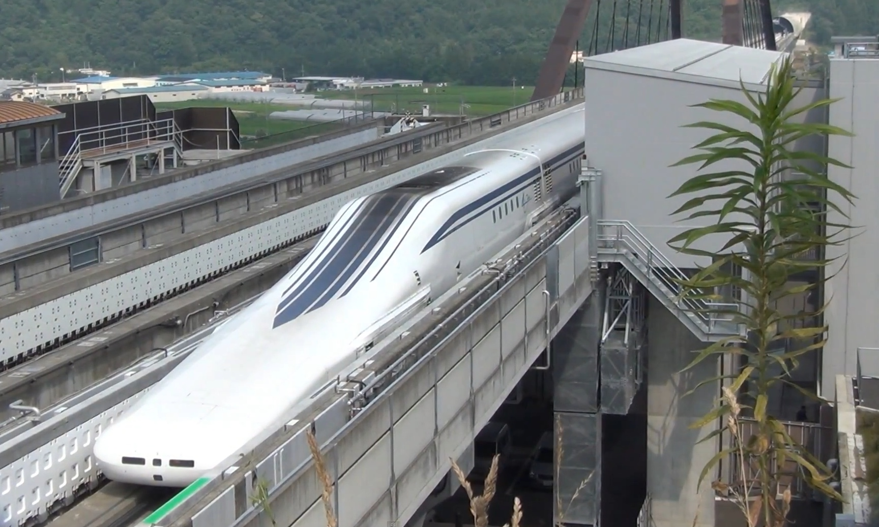 physics project maglev trains essay Maglev vs high-speed rail first of all, there is no point of using a maglev in the city, since its technical advantages are substantial only at.
